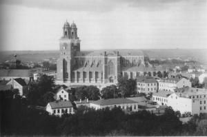 Uppsala domkyrka 1880. Bilden är tagen innan Zettervalls restaurering.