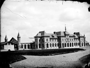 Uppsala stationshus, 1914.  Foto: Henri Osti