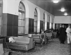 Väntsalen, Uppsala centralstation, 1934. Foto: Paul Sandberg