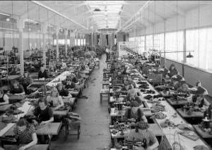 Arbete på AB Hjalmar Söderberg, 1941. Foto: Paul Sandberg