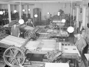 Arbete på Almqvist & Wiksell, 1937. Foto: Paul Sandberg